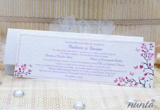 Invitatie alba cu chenar roz si flori de cires
