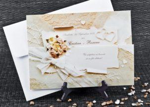 Invitatie de nunta cu inimioare si flori
