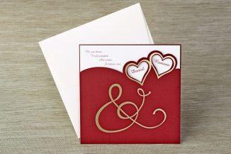 Invitatie de nunta grena cu chenare inimi aurii