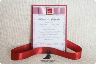 Invitatie eleganta cu model floral si catarama cu strasuri