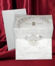 Invitatie pergament argintiu cu inimi
