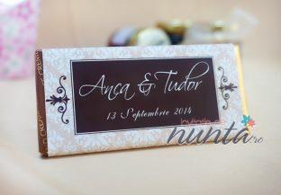 Marturie tableta de ciocolata cu chenar maro si model damask 42 g