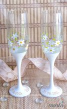 Pahare sampanie personalizate cu floricele albe