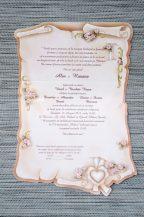 Invitatie de nunta crem antic si banderola cu panglicute incrucisate