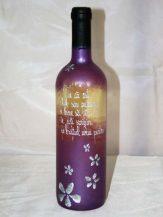Sticla de vin personalizata mov cu floricele argintii